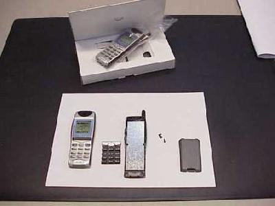 En 2001, dans le cadre de la production de téléphones mobiles, j'ai été chargé de la version factice du GSM J5, de son développement jusqu'à son expédition (73.000 unités)